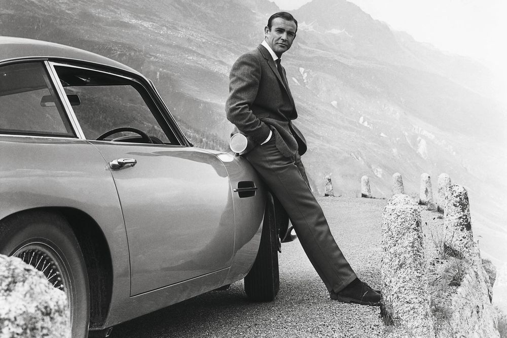 James Bond S Aston Martin Db5 Is Going Back Into Production Bloomberg