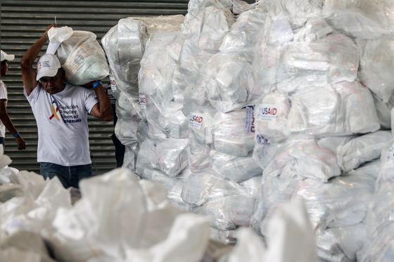 RichardBranson Plans Live Aid-Style Concert on Venezuela'sBorder