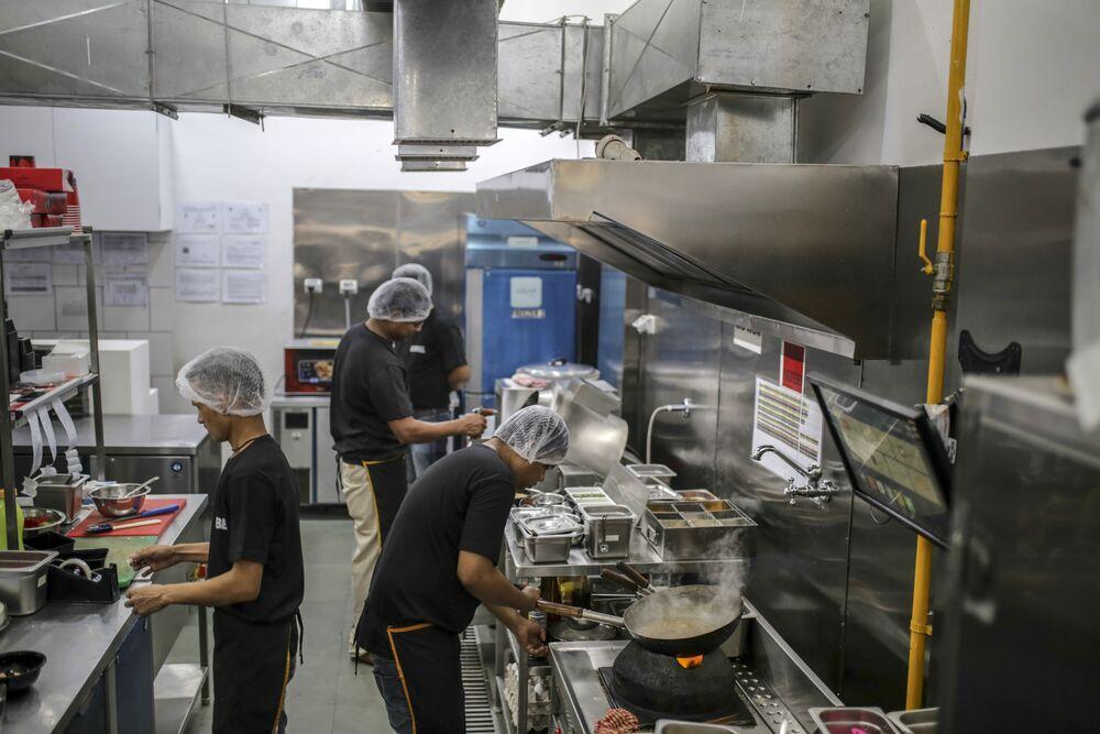 Goldman Sachs, Gojek Bet on India's Rebel Foods - Bloomberg