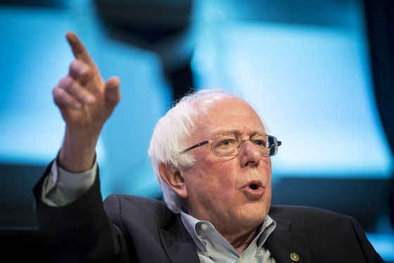 Sanders Tops 2020 Democrats With $4 Million Day-One Haul