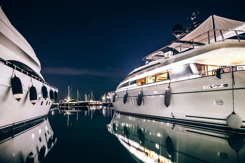 RF Luxury yachts rich