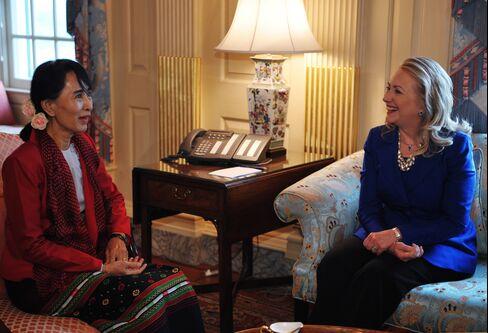 Myanmar's Suu Kyi Calls on U.S. to Heed More Than Economy Alone