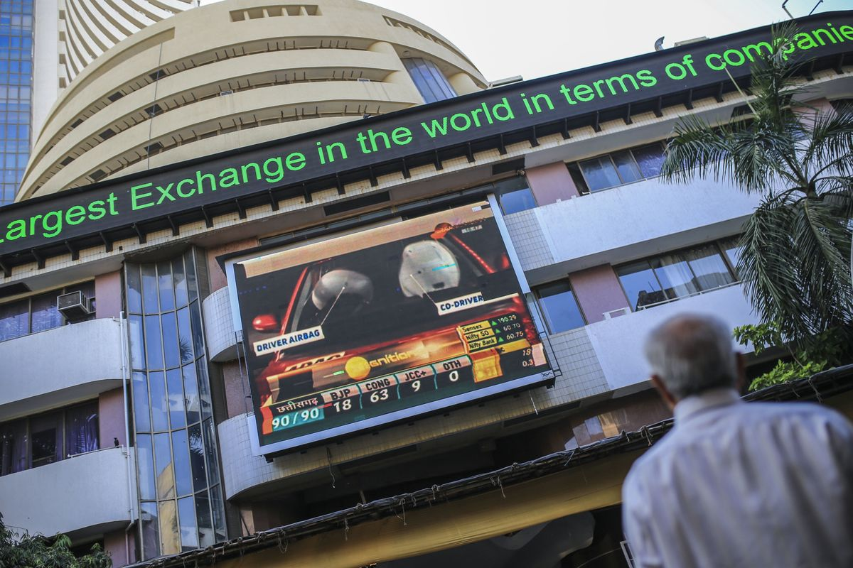 Big Modi Win Pushes Indian Equities to Best Week in Seven Months