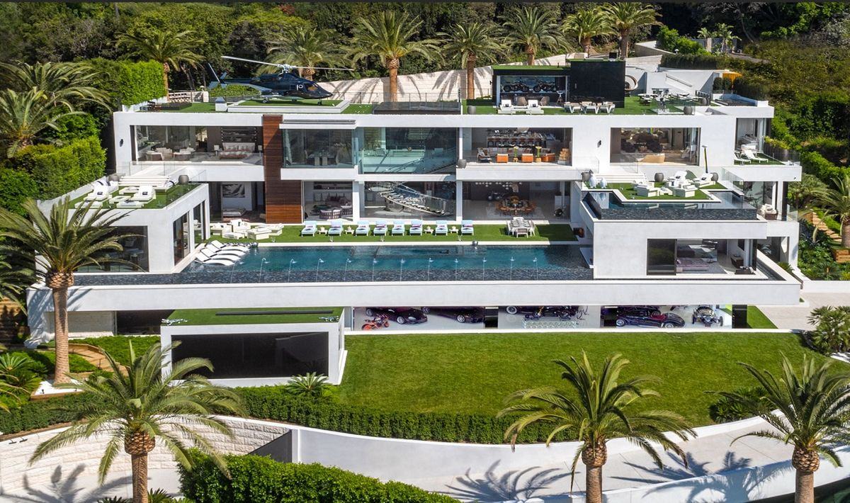 This Is What A 250 Million House Looks Like Bloomberg