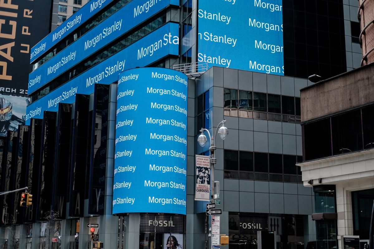 Morgan Stanley's Trading Rivalry Tests Its Business Model
