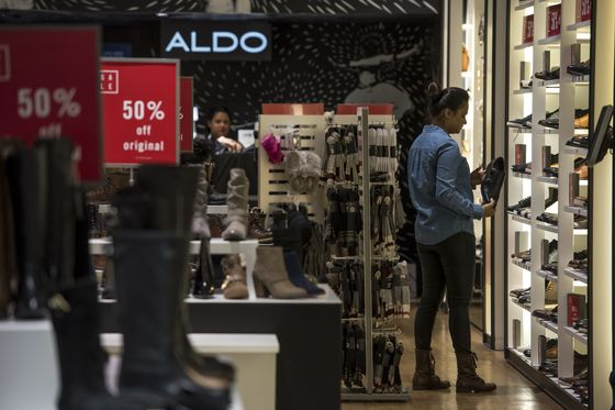 Wear-Sneakers-Everywhere Trend Upends Shoe Retail, Aldo CEO Says