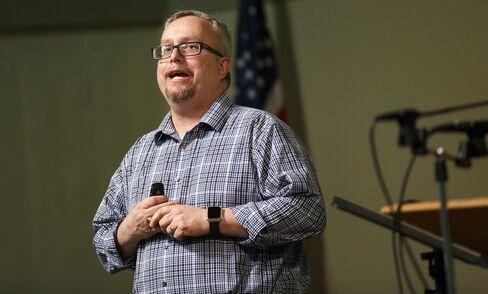 Pastor Michael Demastus