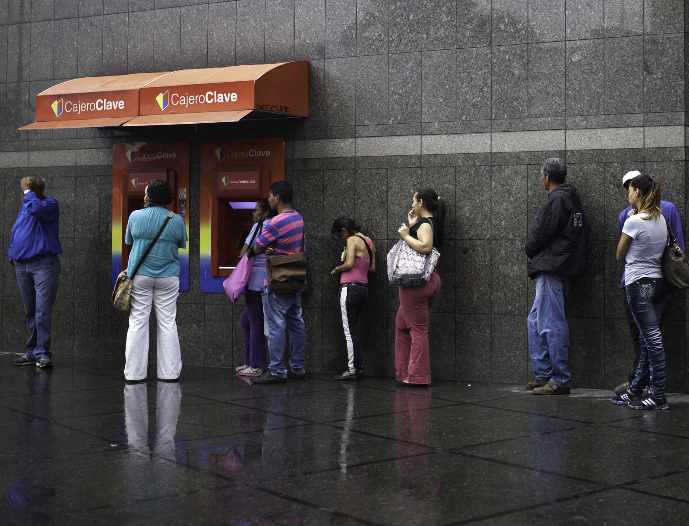 Want Groceries in Venezuela? First Stop at Six ATMs