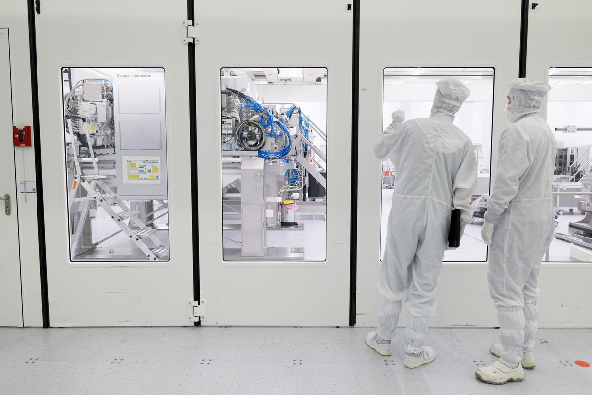 Chip Gear-Maker ASML's Sales Outlook Beats Analyst Estimates