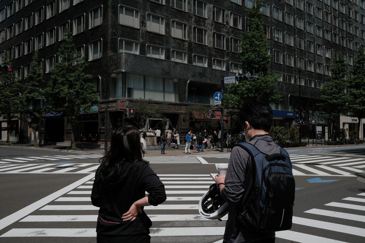 Japan Seeks to Extend Virus Emergency Covering Tokyo to May 31
