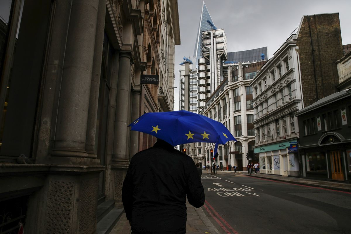 Suddenly Britain's Bonds Look Like the Weakest Link for Some