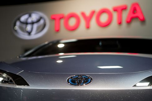 Toyota Raises Full-Year Profit Forecast on Sales Recovery