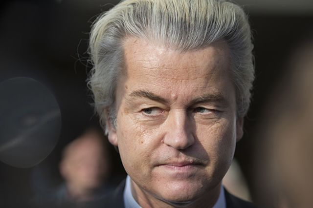 Dutch voters set to leave all to play for