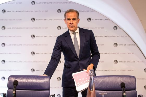 Carney Extends BOE Stay Again to Lead Economy Through Brexit