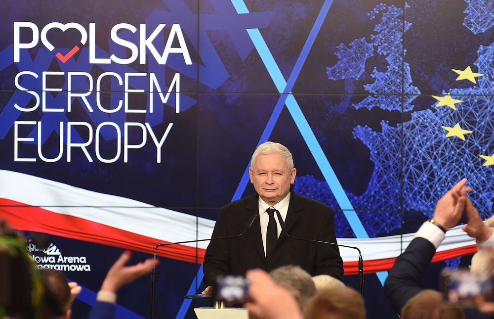 Polish Ruling Party Set to Eke Out Narrow Victory in EU Ballot