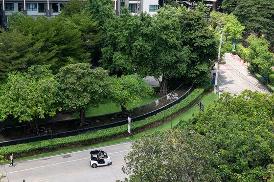 This Robo Tuk-Tuk Will Zip About an Upscale Bangkok Neighborhood