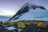 relates to Climate Scientists Turn Mount Everest Into a Lab