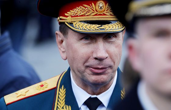 Russian General Challenges Putin Critic to a Duel