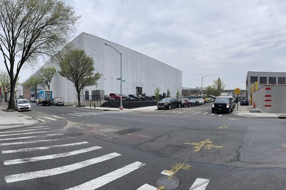 Betting Big on Brooklyn, NetflixOpens First New York Studio