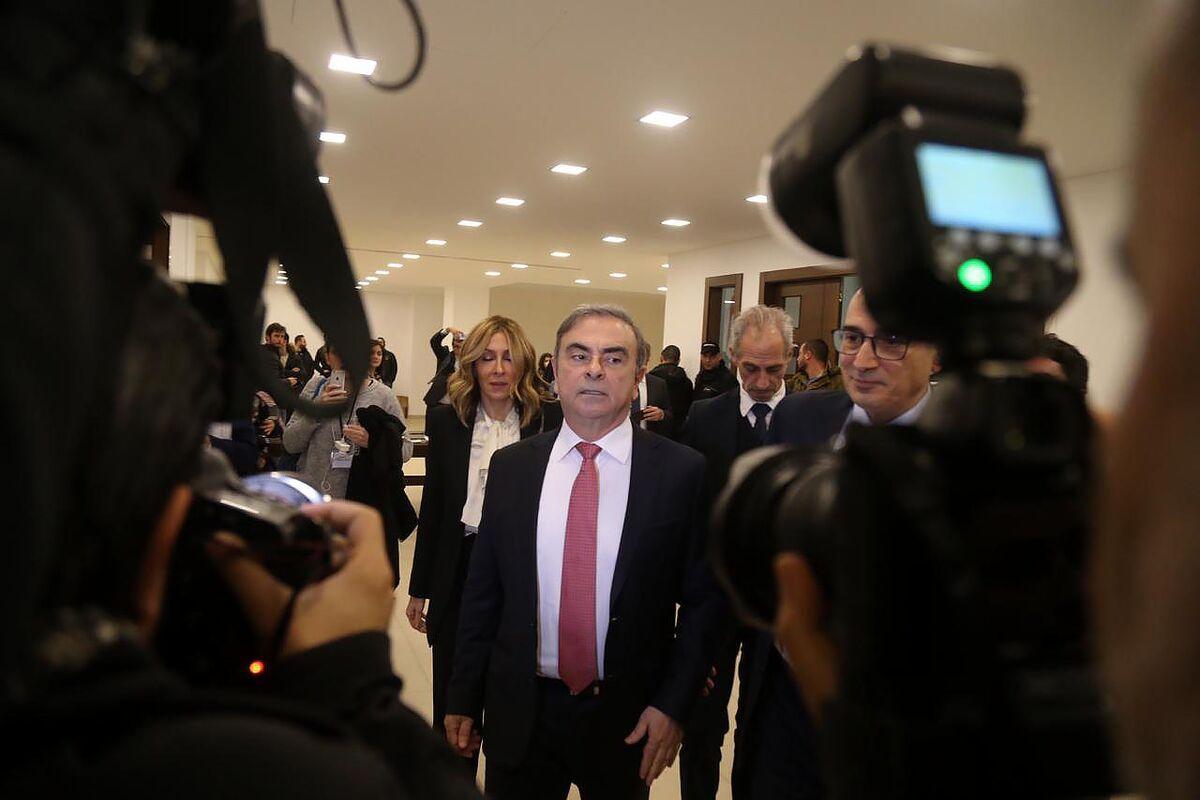 Ghosn Probe in France Intensifies With Focus on Oman, Versailles