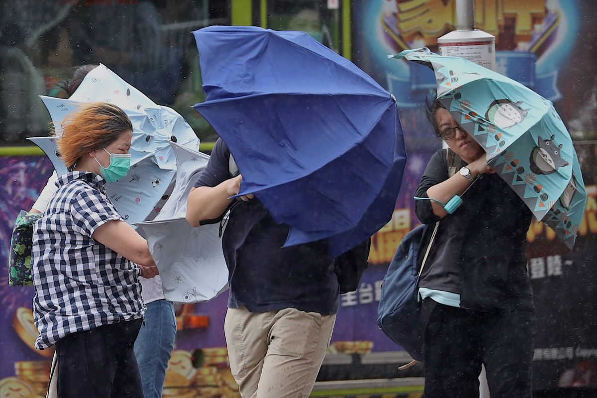2 Dead as Storm Triggers Landslides, Hits South China Coast