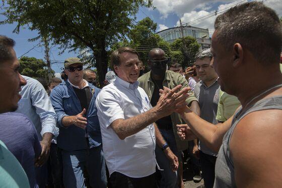 Bolsonaro Considers Letting Vaccinated Brazilians Go Maskless
