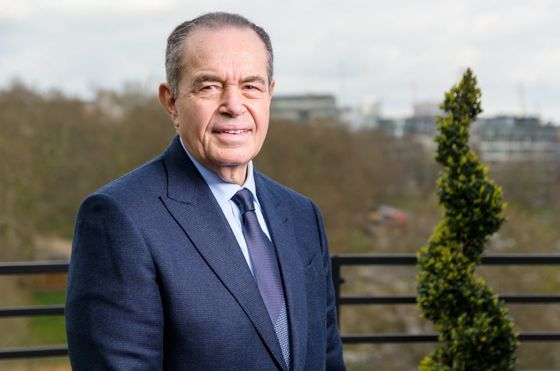 Billionaire Has No Regrets About Pulling His Money Out of Banks