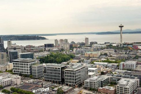 Seattle City Council Appeals to Bezos Over Subcontracted Amazon Security