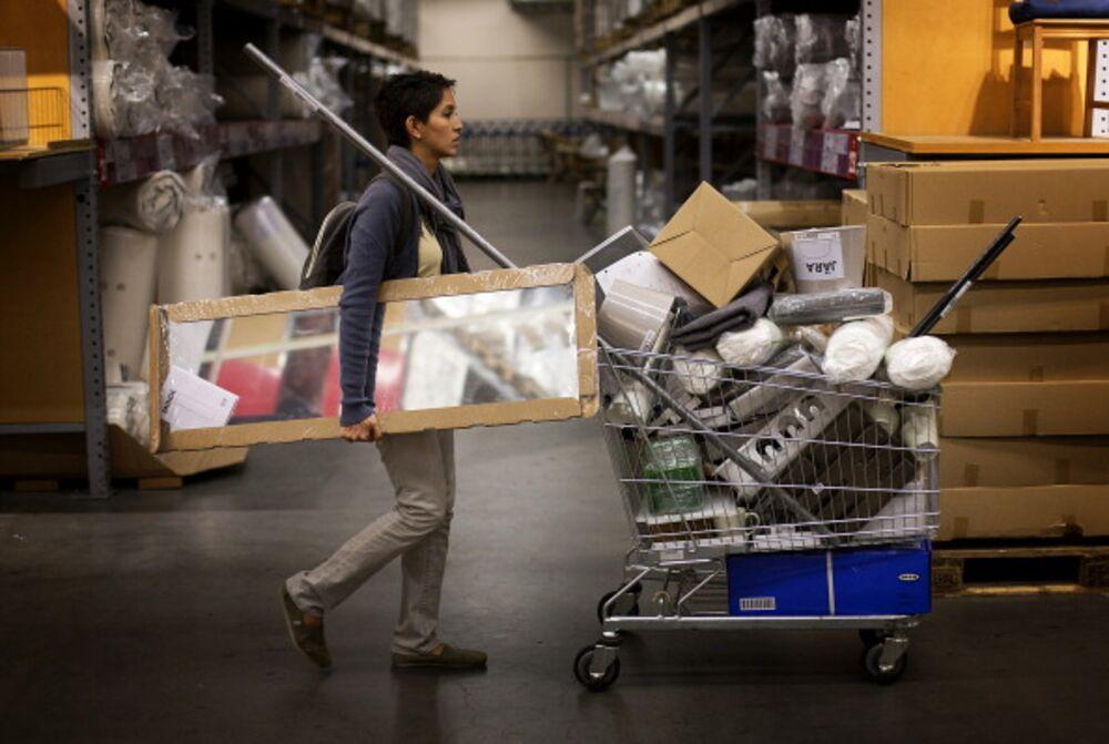 No Phillips Head? No Problem, Says IKEA - Bloomberg