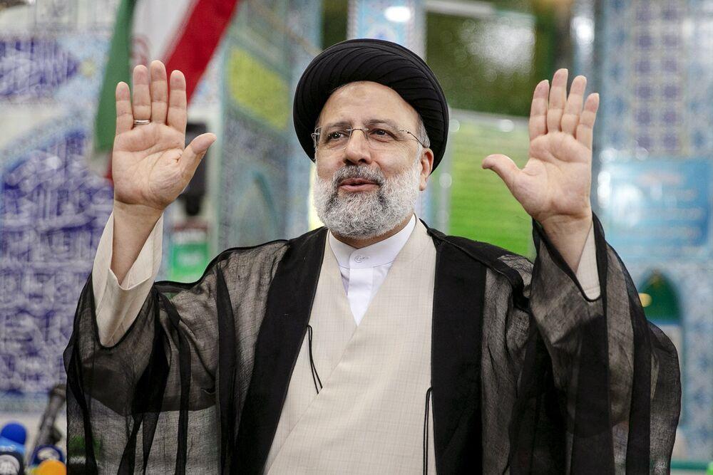 Iran's Raisi Starts Presidency as New Crisis Grips Persian Gulf - Bloomberg