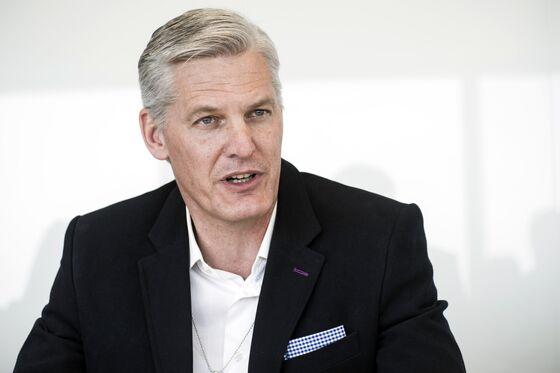 Eskom CEO Plans Operations Overhaul; Slower Breakup Mulled