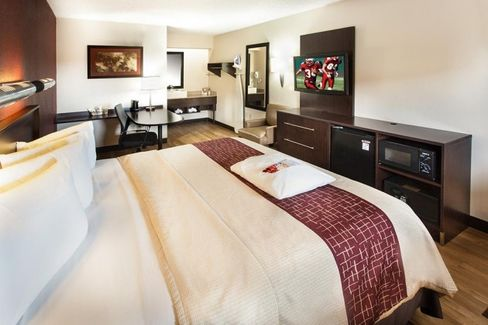 Red Roof Inn and the Blurred Lines of Budget Hotels
