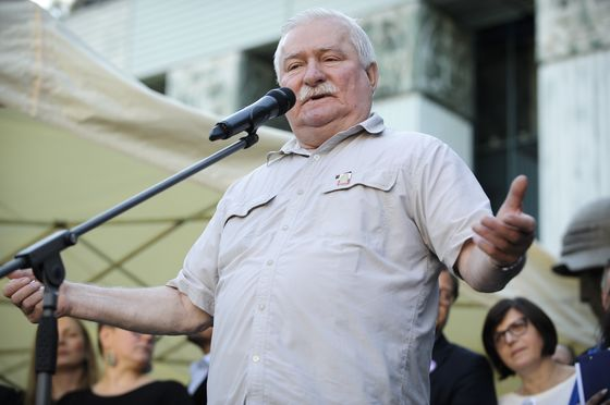 Protesters Claim Gains in Poland Court Tussle as Walesa Fizzles