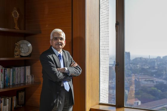 India's Monetary Panel FinalizesSteps to Boost Economy