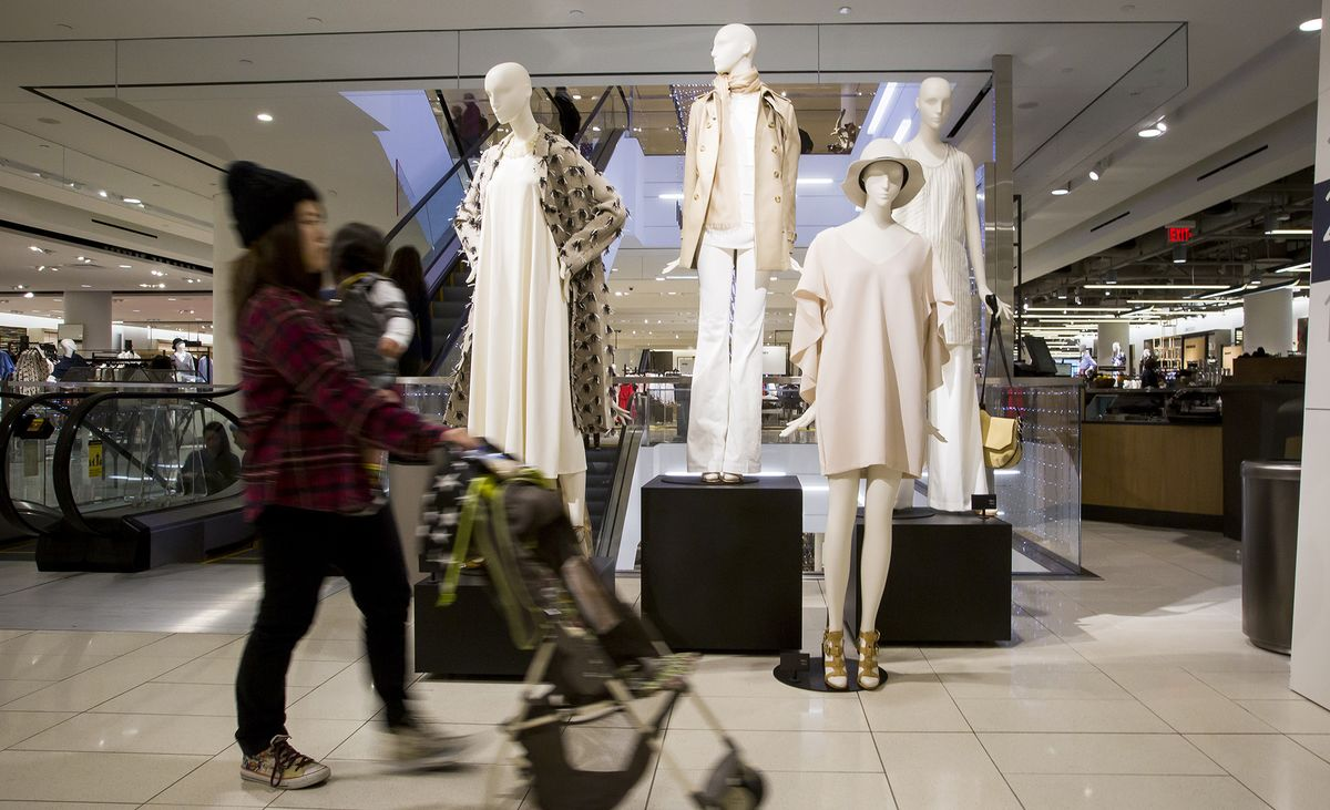 Canadian Retail Sales Gain in July Misses Economists' Forecasts