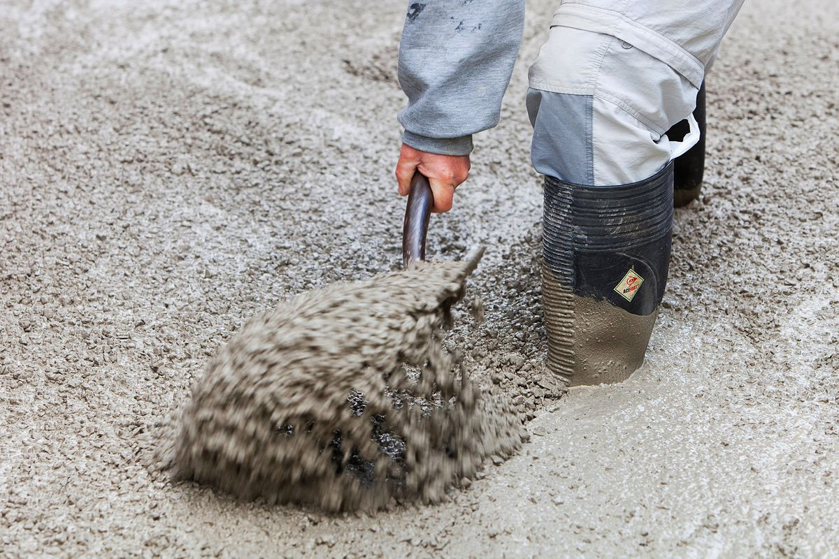 Check Out the Saudi Cement Makers Boosting Output for Mega-City