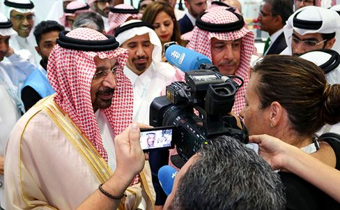 サウジアラビアのファリハ・エネルギー鉱物資源相(16日)