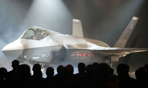 Canceling Lockheed F-35 Said to Be Option in Pentagon Review