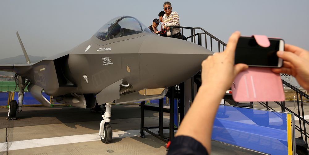 Air Force Calls Lockheed's F-35 Jet Ready for Limited Combat