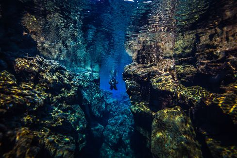 Diving the Silfra fissue in Iceland