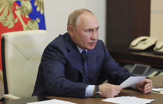 Putin Says He Has a Cold, Tells Officials It Is Not Covid-19