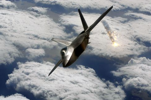 F-22 Oxygen System May Be Root of Pilot Ailments