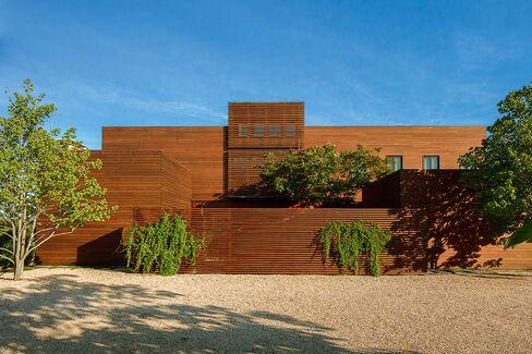 Skarstedt Residence, an art dealer's beach house.