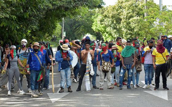Vigilantes Fight Indigenous Group in Besieged Colombian City