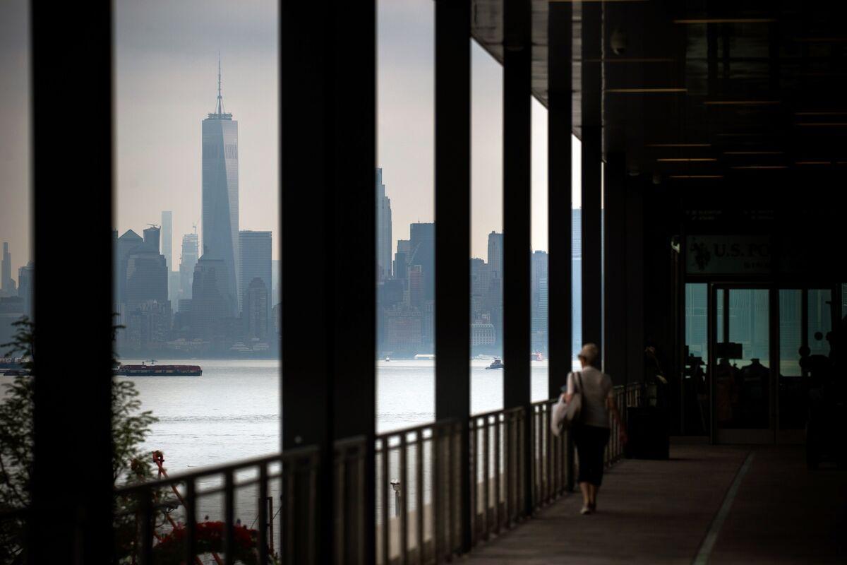 U.S. Stock Index Futures Drop After Trump China Tariffs Kick In