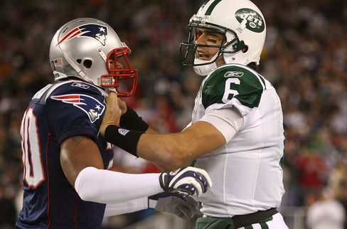 New England Jets Fans Savor Monday Game