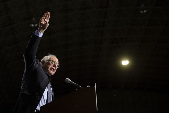 Sanders Pitches to Iowa, Wants Halt to Agriculture Mega-Mergers