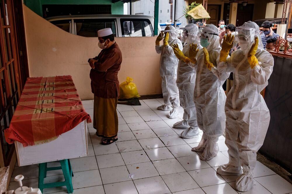 ఆంక్షల సడలింపుతో పెరుగుతున్న కరోనా కేసులు-TNI బులెటిన్