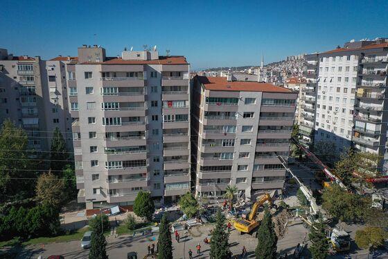 Rescuers Seek Survivors as Aegean Earthquake Toll Rises