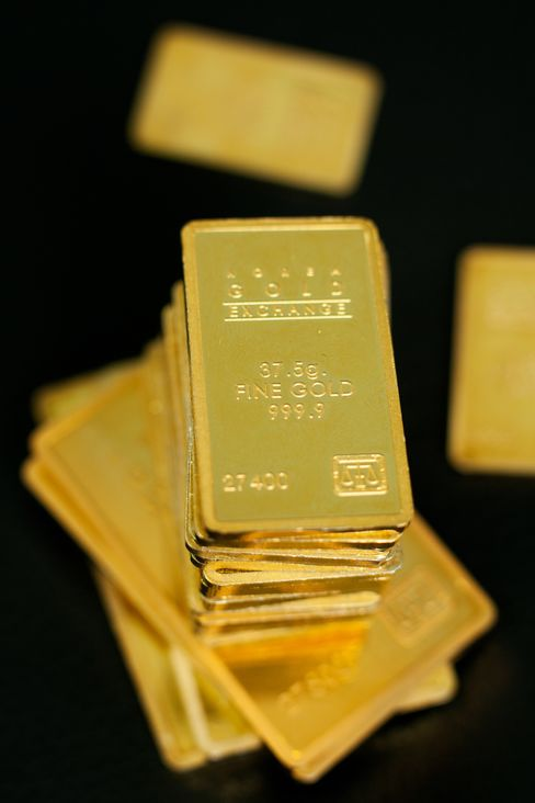 Gold Gains to One-Month High
